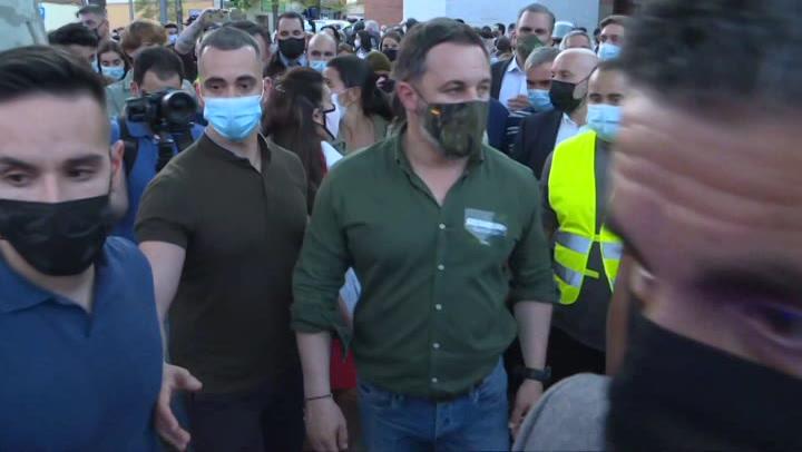 Abascal abandona Vallecas tras las cargas policiales