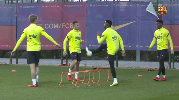 El Barça se entrena con Araújo, Collado, Riqui y Ansu a tres días de recibir la Real Sociedad