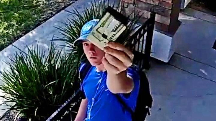Tyler fant lommebok stappfull av penger - Nå hylles han