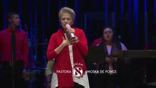 Con el corazón cantaba la pastora Ninoska de Ponce