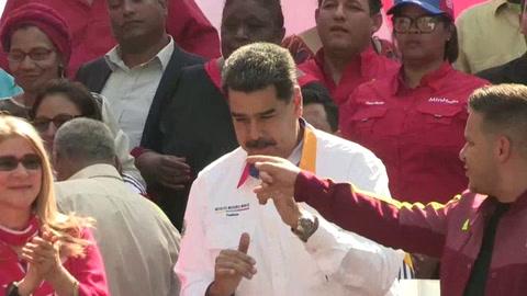 Maduro recicla la opción del diálogo tras un año de su controvertida reelección