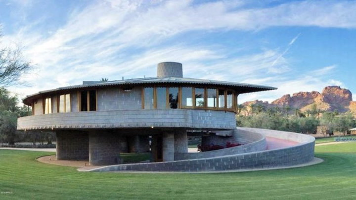 Frank Lloyd Wright's Spiral House Is Dizzyingly Delightful