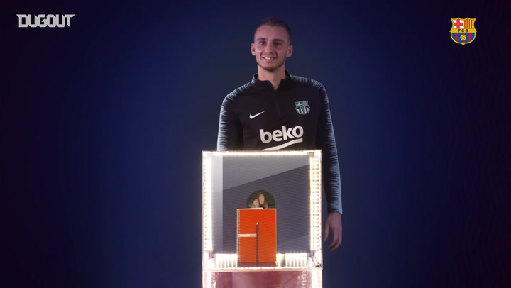 Jasper Cillessen Takes On The Mystery Box Challenge