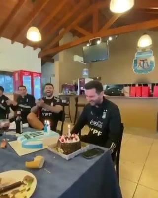 Así festejó Lionel Messi su cumpleaños 34