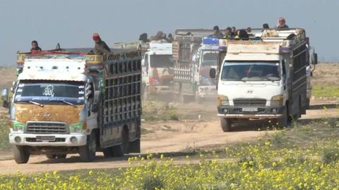 Evacúan en Siria a civiles de último reducto del EI