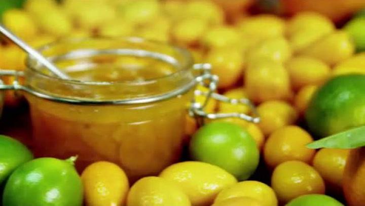 Hvordan lage kumquatmarmelade og appelsinsalater