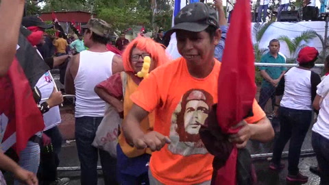 Miles de sandinistas marchan a favor de Ortega con lema