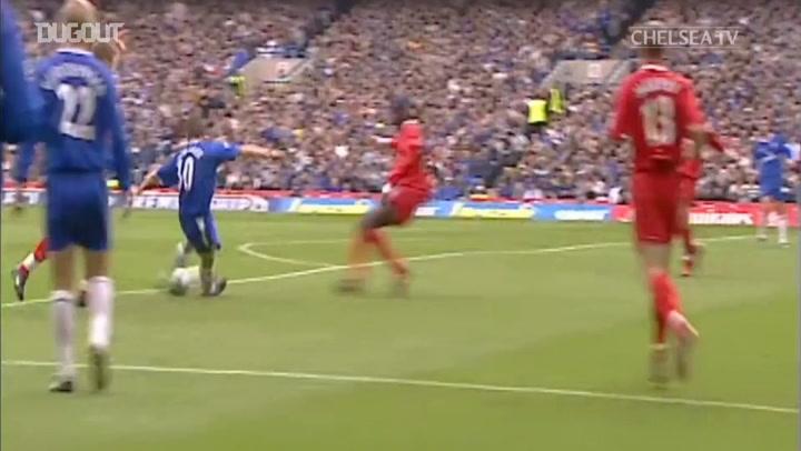 Jesper Gronkjaer seals Champions League football for Chelsea