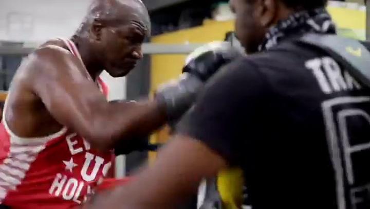 Holyfield no quiere ser menos que Tyson: Brutal entrenamiento con 57 años