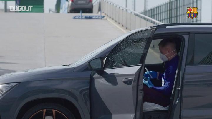 Barça desinfecta carros dos jogadores no CT