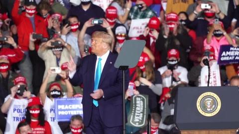 Revelaciones sobre impuestos de Trump encienden la preparación del debate con Biden