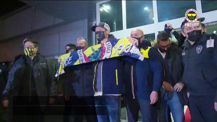 Mesut Özil ya está en Turquía