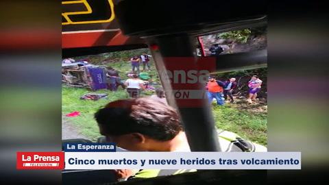 Cinco muertos y nueve heridos tras volcamiento en La Esperanza, Intibucá