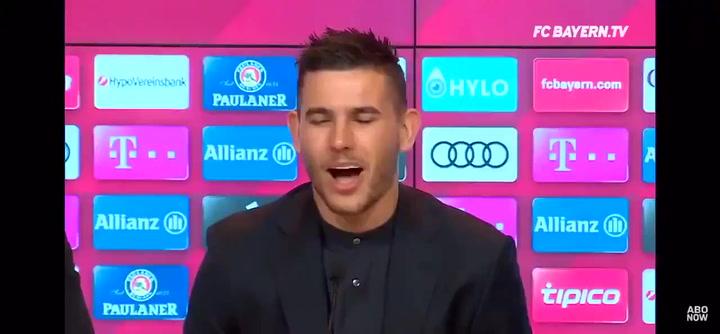 Lucas Hernández sorprendió hablando un buen alemán en su presentación