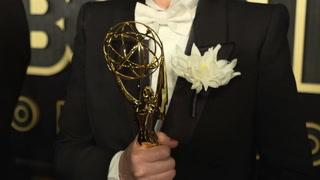 El Emmy se sienta en el trono de hierro