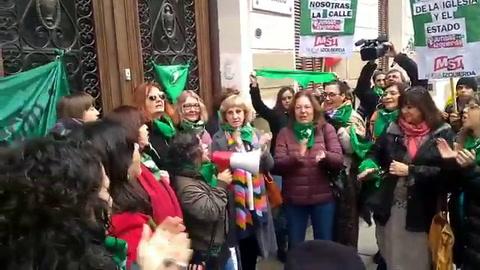 Pañuelazo verde frente a la CGT Rosario por la legalización del aborto