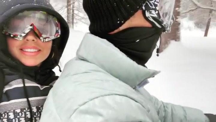 Georgina y Cristiano, como dos adolescentes en la nieve