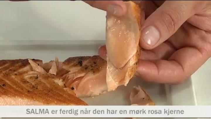 Hvordan tilberede grillet/stekt Salma-laks