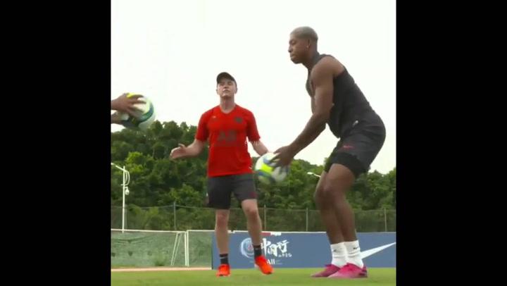 Neymar sigue con su trabajo de recuperación en Shenzen