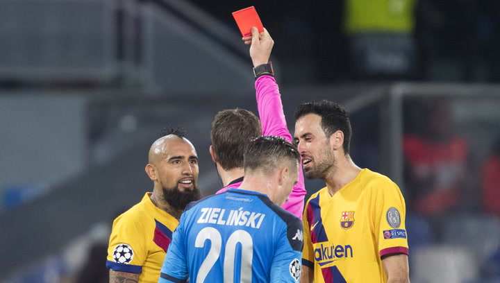 Champions League Nápoles-Barça. Tarjeta roja para Arturo Vidal