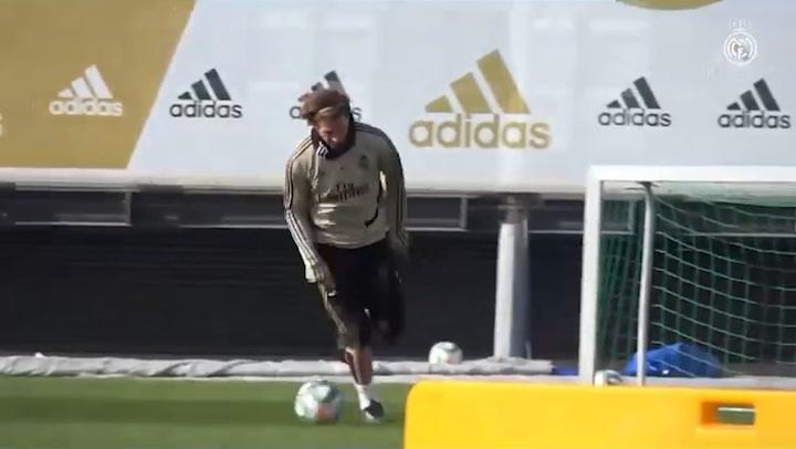 Sergio Ramos se ejercitó con normalidad con el Real Madrid