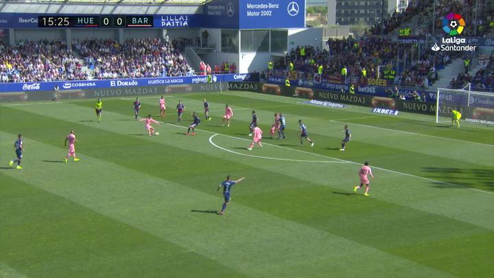 LaLiga: Huesca-Barça. Asistencia de Riqui Puig a Dembélé que se queda solo ante el portero