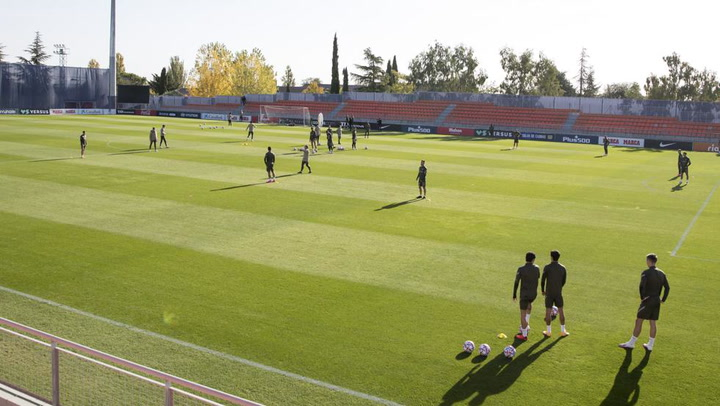 El Atlético se ejercitó pensando en su debut en Champions League