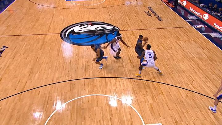 Las 10 mejores jugadas de la jornada de la NBA