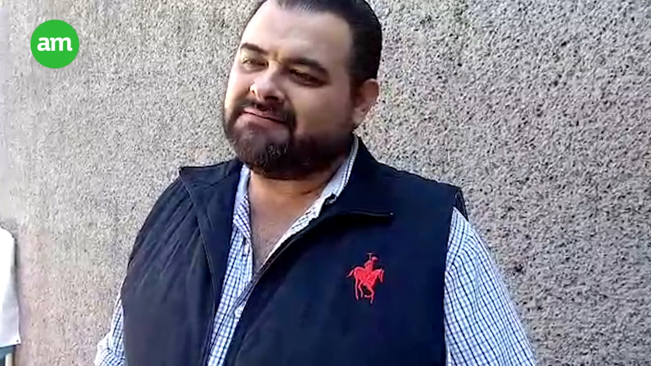 Video: Regala más de 3 mil cervezas por triunfo de México