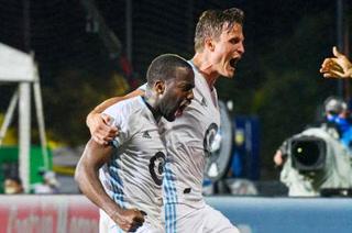 MLS: Al Sporting Kansas City de Roger Espinoza le remontan en los minutos de descuento