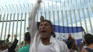 Migrantes hondureños cruzan poco a poco territorio mexicano
