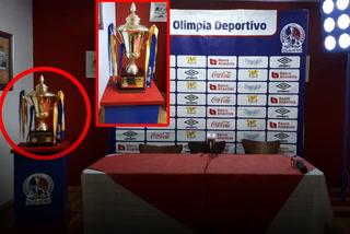 En conferencia de Keosseián, Olimpia exhibe Copa que le ganó a Motagua en el 2015