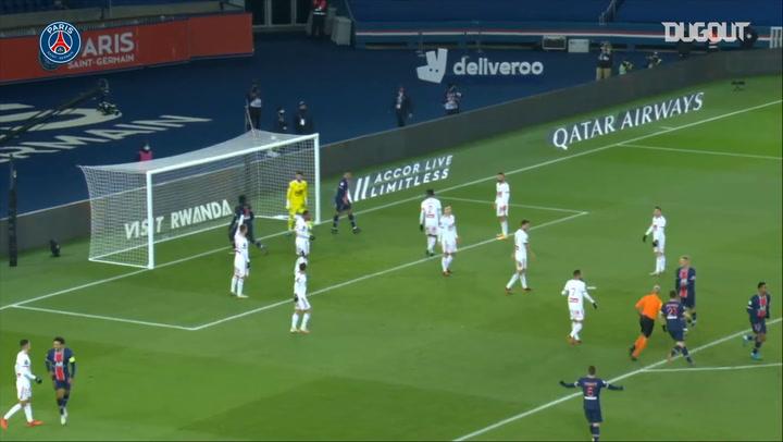 Moise Kean's finish against Brest in Ligue 1