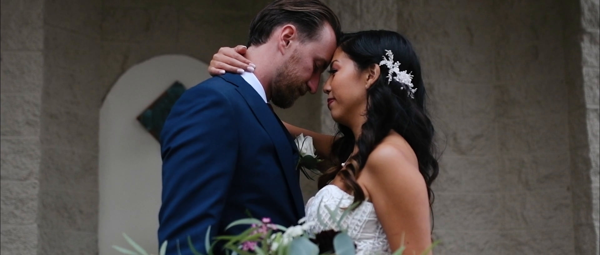 Jessica + Brian   Malahat, Canada   Villa Eyrie