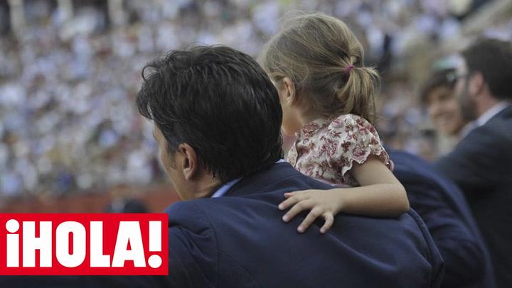 ¡Orgullo de padre! Carmen, la hija de Francisco Rivera y Lourdes Montes, la agricultora \'con más arte\'