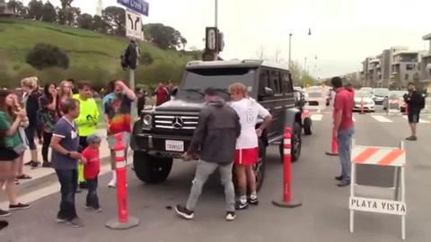 La violenta reacción de Justin Bieber con un fanático rosarino que quería una foto