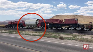 Train carrying decommissioned nuclear reactor passes through Las Vegas – VIDEO