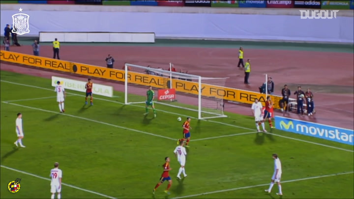 Negredo's headed goal for Spain following great team move