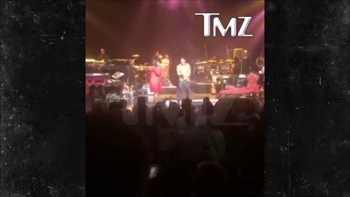 Patti LaBelle woedend op strippende fan tijdens concert