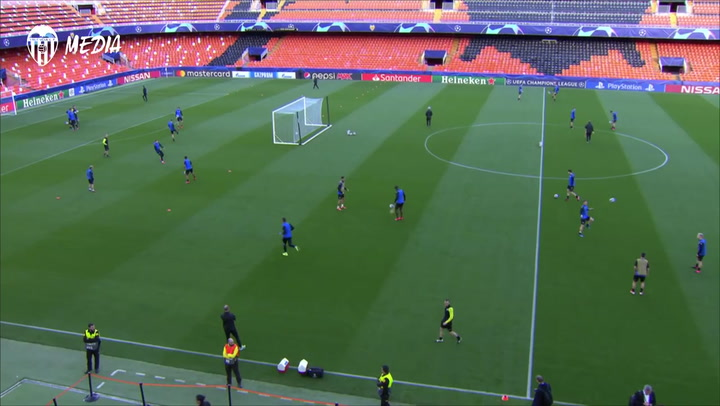 El Atalanta ya se encuantra en Valencia y ha entrenado en Mestalla