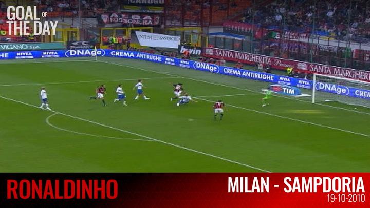 Goal of the day: Ronaldinho vs Sampdoria (2010)