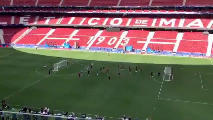 El Liverpool se ejercita en el Metropolitano de cara a la final