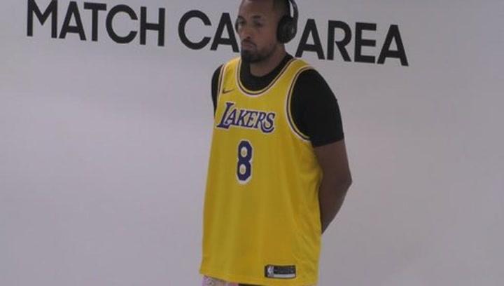 Kyrgios se tatúa a Kobe Bryant