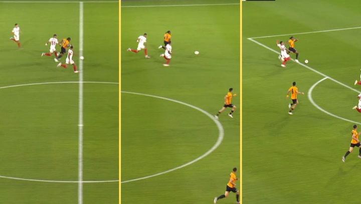 Europa League: Wolverhampton-Sevilla. Adama Traoré se marcha por velocidad y provocó un penalti