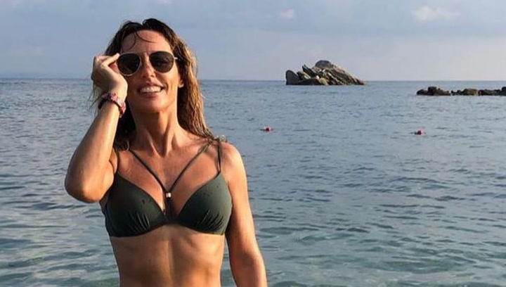 Emma García sorprende con un impresionante posado en bikini
