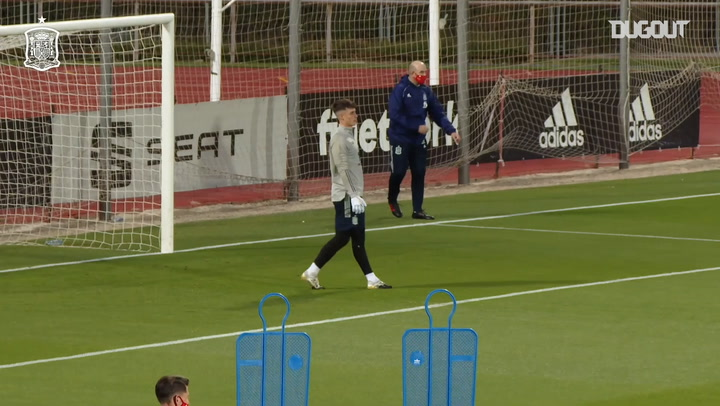 Great saves by Kepa in Spain training