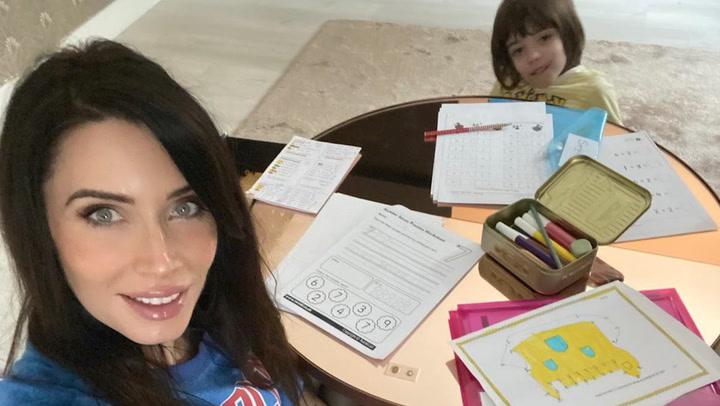 Pilar Rubio prepara a sus hijos para la Pascua