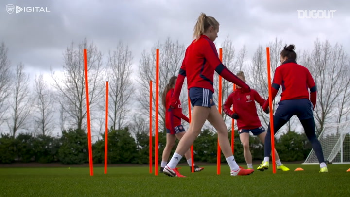 Caitlin Foord's first Arsenal training session