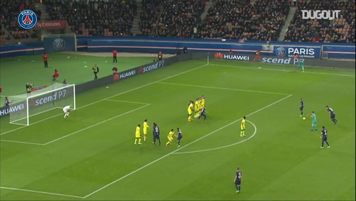 Zlatan Ibrahimovic's incredible free kick VS Nantes in 2014
