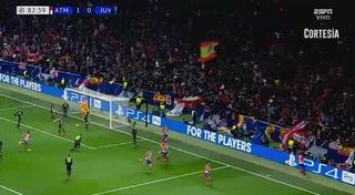Diego Godín anota el 2 - 0 de del Atlético de Madrid ante la Juventus